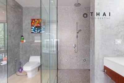 3_bedroom_golf_course_view_pool_villa_kathu_phuket_master_bedroom_bathroom2