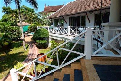 serenity_hotel_kathu_garden2