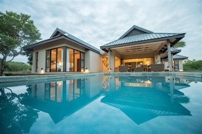 Holiday-home-for-sale-in-Zandspruit