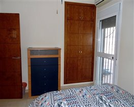 Image No.16-4 Bed House for sale