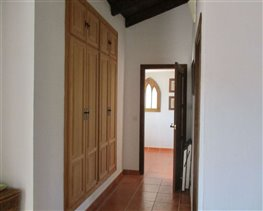 Image No.23-8 Bed House for sale