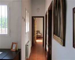 Image No.24-8 Bed House for sale