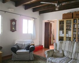 Image No.27-8 Bed House for sale
