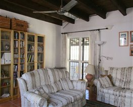 Image No.28-8 Bed House for sale