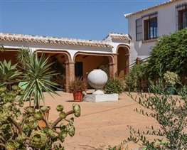 Image No.18-5 Bed House for sale