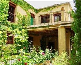 Granada, House