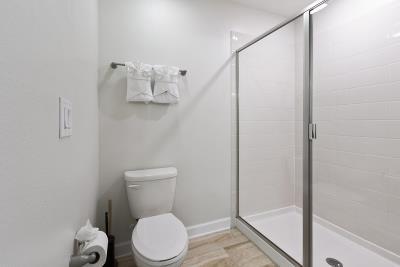 Bathroom-3--3-