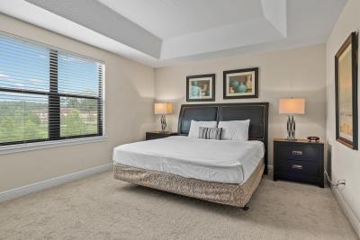 Maste-Bedroom