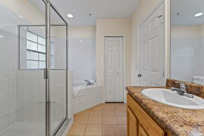 Master-Bathroom--2-