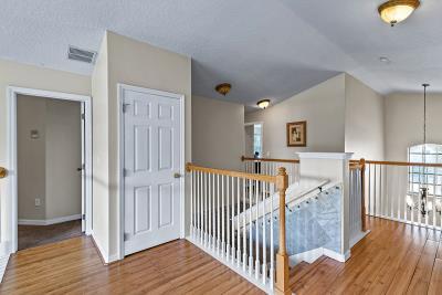 2nd-Floor--Hallway