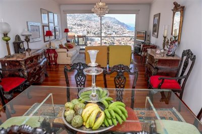 Dining-room-with-view-Funchal-2