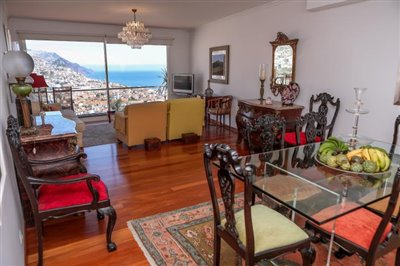 Dining-room-with-view-Funchal