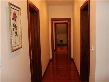Corridor-1-house-040-Sto-da-Serra