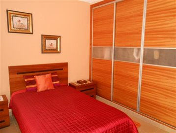 bedroom-2a-house-016