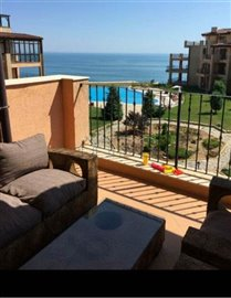 15859135302-bed-apartment-seaview-poolview7