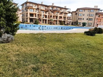 1585913572one-bed-apartment-pool-view-kaliakr