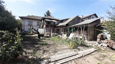 1601289179old-house-with-yard-10-min-to-ruse-