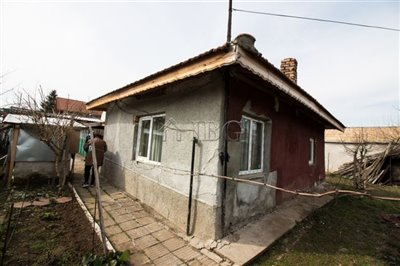 1615815677one-storied-house-in-anice-village-