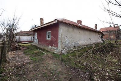 1615816023one-storied-hous-close-to-danube-ri