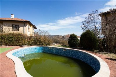 16177164604-bed-3-bath-house-with-pool-andsea