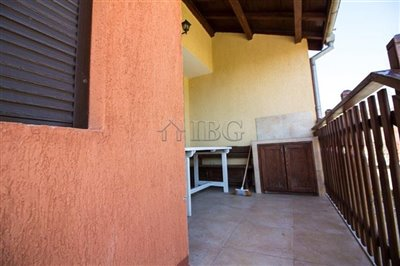 16177165724-bed-3-bath-house-with-pool-andsea