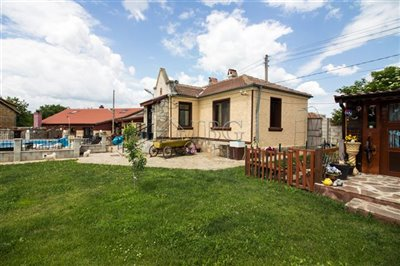 1624024008renovated-house-with-swimmingpool-h