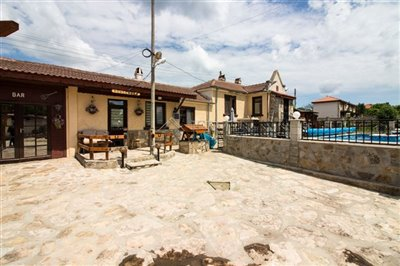 1624023980renovated-house-with-swimmingpool-h