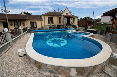 1624024047renovated-house-with-swimmingpool-h