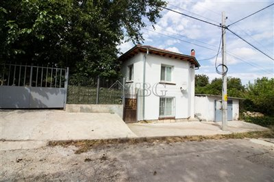 16347335972-bed-renovated-house-near-ruse