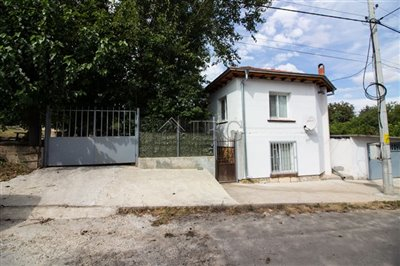 16347335992-bed-renovated-house-near-ruse-4