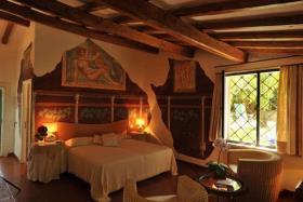 Image No.8-15 Bed Villa for sale