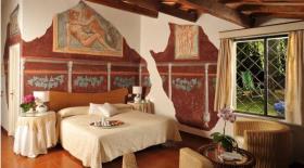 Image No.15-15 Bed Villa for sale