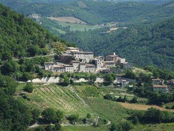 castello-di-colle-sellano-02