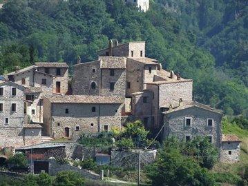 castello-di-colle-sellano-05