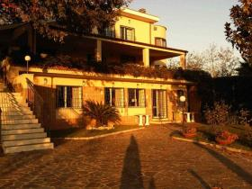 Image No.5-8 Bed House/Villa for sale