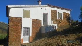 Oleiros, Farmhouse