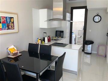 property-for-sale-in-villamartin-14-1