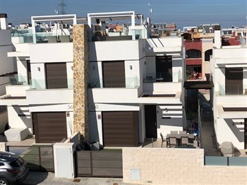 property-for-sale-in-villamartin-18-1