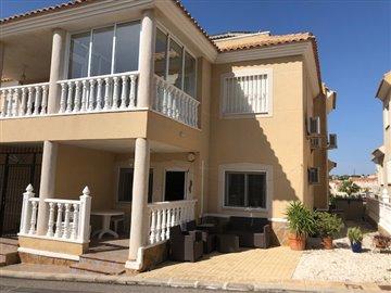 property-for-sale-in-villamartin-1