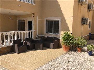 property-for-sale-in-villamartin-3