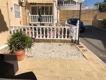 property-for-sale-in-villamartin-5