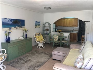 property-for-sale-in-villamartin-7