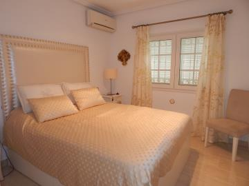 Property-for-sale-in-Cabo-Roig--28-