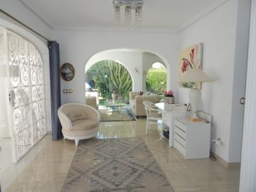 Property-for-sale-in-Cabo-Roig--38-