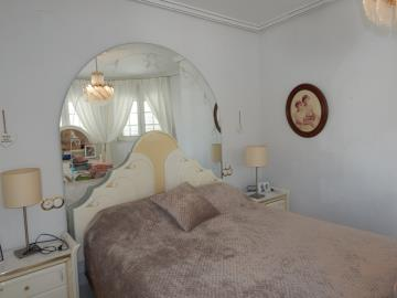 Property-for-sale-in-Cabo-Roig--42-