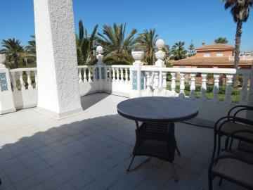 Property-for-sale-in-Cabo-Roig--40-