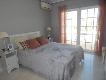 Property-for-sale-in-Cabo-Roig--45-