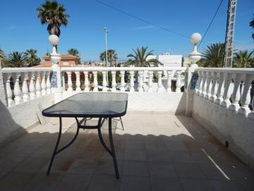 Property-for-sale-in-Cabo-Roig--47-