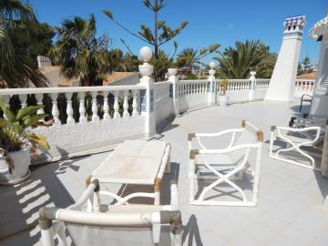 Property-for-sale-in-Cabo-Roig--51-