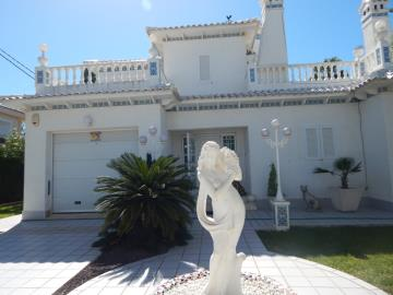 Property-for-sale-in-Cabo-Roig--59-
